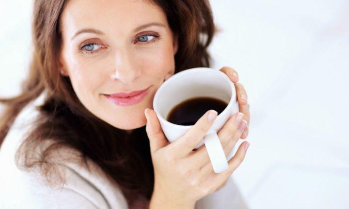 Cuatro cafés al día aumentan el riesgo de muerte afirman estudios médicos